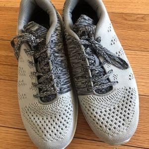 APL Techloom Pro Knit Sneakers